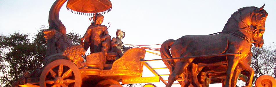 Mahabharata:  Krishna guida il carro di Arjuna